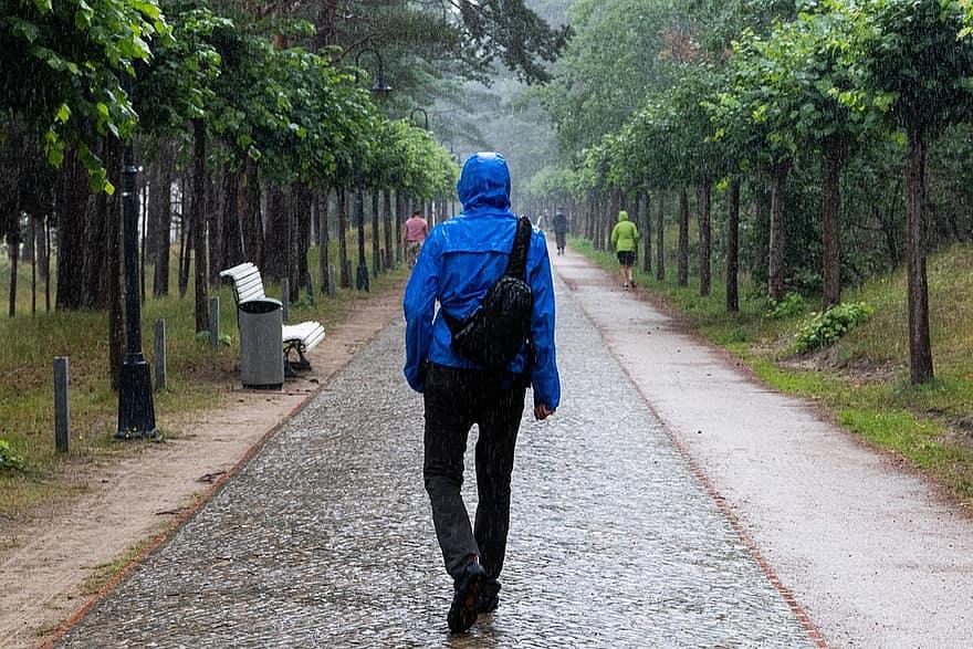 chaqueta-impermeable-trail-running